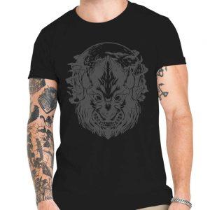 Camiseta lobo bajo la luz de la luna